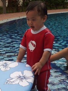 Thanks to the brilliant Malaysian creation Cheekaaboo, babies and toddlers get shielded from sun and feeling cold in the pool. The science lies in is the high quality material called neoprene which also have insulating properties to keep babies warm, in and out of the water. Get it here at http://www.cheekaaboo.com